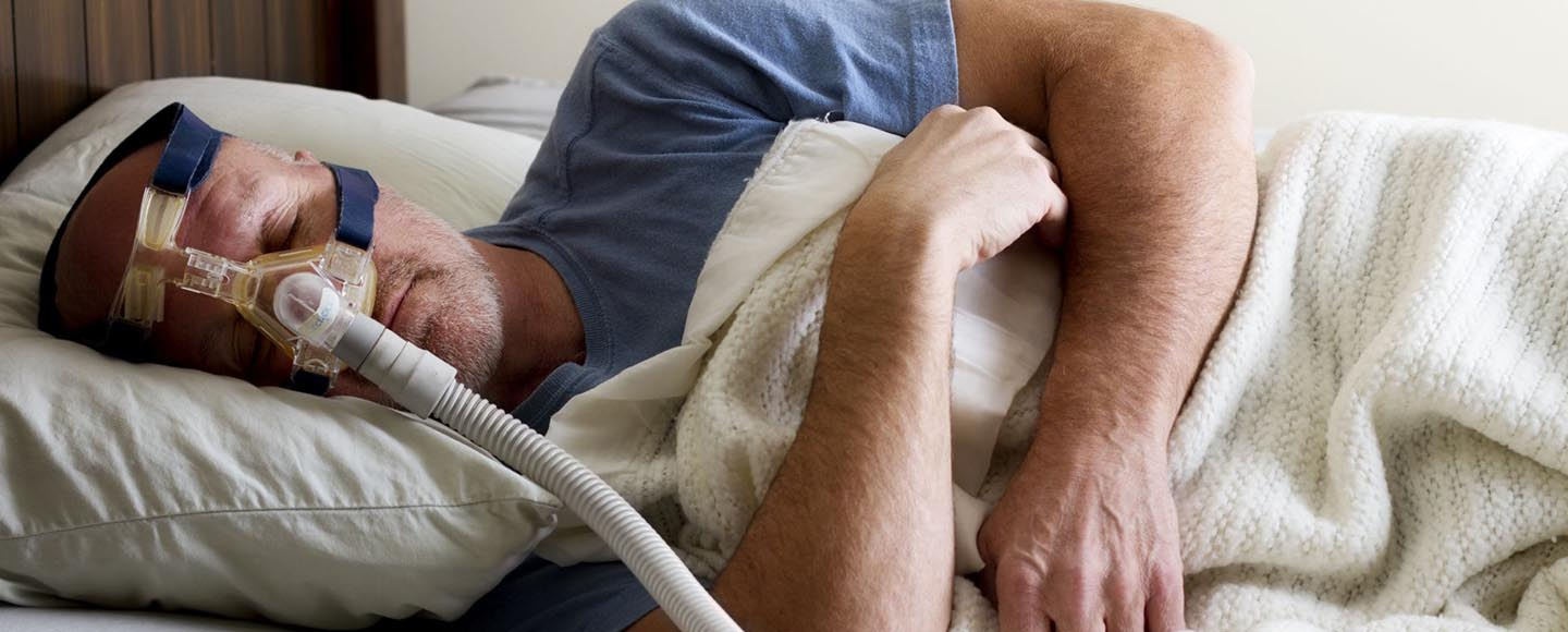 How to Sleep with CPAP Mask On 1