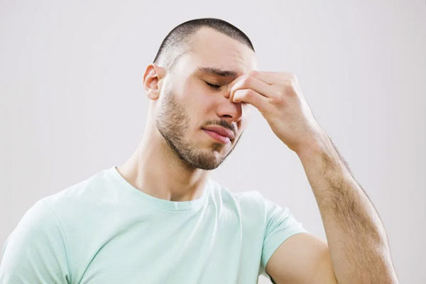 Does Using a CPAP Machine Cause Sinus Problems? 1